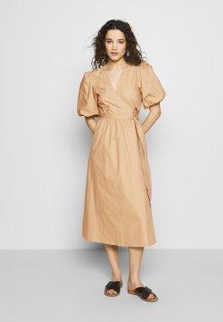 Gestuz - BIBIGZ WRAP DRESS - Day dress - safari
