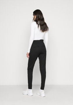 ONLY Tall - ONLPOPTRASH EASY FRILL PANT - Jogginghose - black