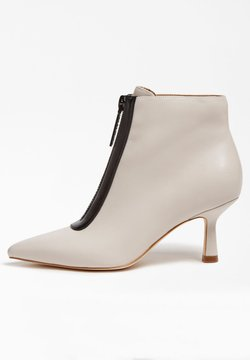 Guess - Ankle Boot - weiß