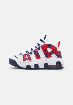 Nike Sportswear - AIR MORE UPTEMPO UNISEX - Sneaker low - white/university red/blue void