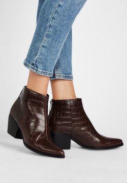 What For - PILAR - Ankle Boot - dunkelbraun krokooptik