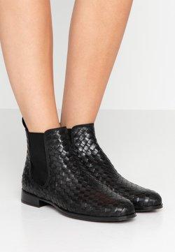 Pretty Ballerinas - BECERRITO - Boots à talons - black