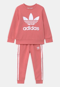 adidas Originals - CREW SET UNISEX - Survêtement - hazy rose/white