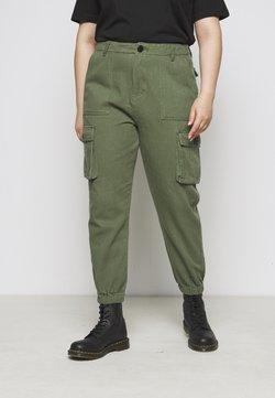 Missguided Plus - CARGO - Pantalon classique - khaki