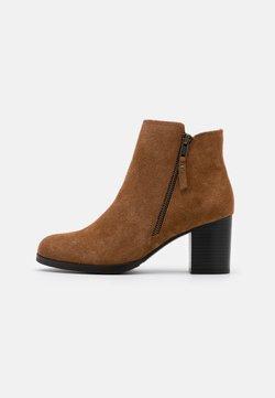 Jonak - TITOU - Ankle Boot - camel