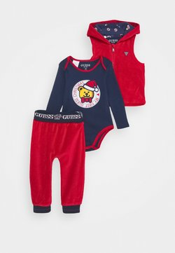 Guess - VEST BODY PANTS BABY SET - Body - tulip red
