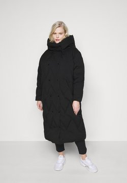 Vero Moda Curve - VMPUFFY LONG JACKET - Daunenmantel - black