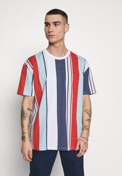 Urban Classics - HEAVY OVERSIZED BIG STRIPE TEE - T-Shirt print - burnedred
