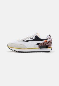 Puma - FUTURE RIDER W.CATS UNISEX - Sneaker low - white/black
