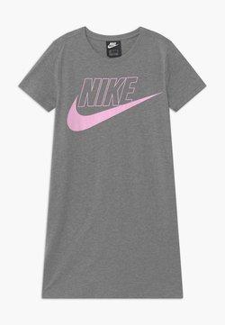 Nike Sportswear - FUTURA DRESS - Jerseykleid - carbon heather/arctic pink