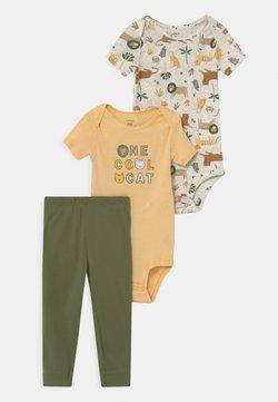 Carter's - SAFARI CAT SET - Camiseta estampada - yellow/khaki