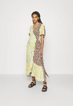 Never Fully Dressed - SPLICE ANIMAL CORDELIA WRAP DRESS - Freizeitkleid - multicoloured