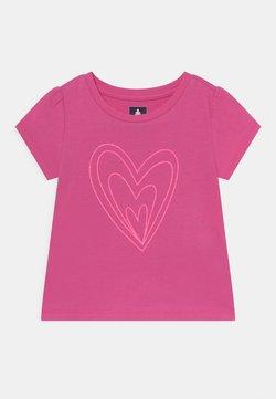 GAP - TODDLER GIRL - Camiseta estampada - pink heart graphic