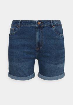 Vero Moda Curve - VMJOANA MOM - Jeans Shorts - medium blue denim