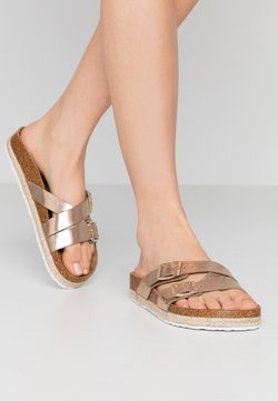 Dorothy Perkins Wide Fit - WIDE FIT FOXY DOUBLE BUCKLE FOOTBED - Chaussons - gold