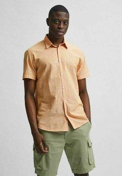 Selected Homme - SLHREGNEW SHIRT CLASSIC - Koszula - buckskin