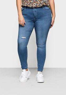 ONLY Carmakoma - CARLAOLA  - Jeans Skinny Fit - light blue denim