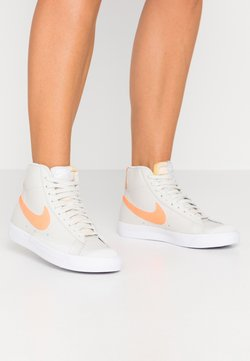 Nike Sportswear - BLAZER  - Sneakersy wysokie - light bone/total orange/orange trance/white