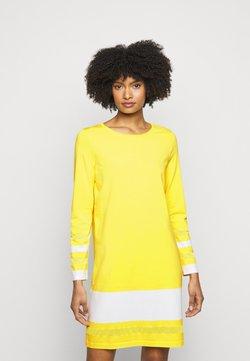 Marc Cain - Vestido de punto - yellow