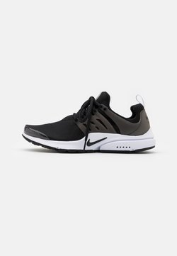 Nike Sportswear - AIR PRESTO - Matalavartiset tennarit - black/white