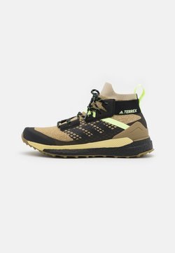 adidas Performance - TERREX  FREE HIKER PRIMEBLUE - Hikingschuh - savannah/core black/hi-res yellow