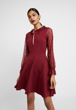 Dorothy Perkins - COLLAR DRESS - Vestito di maglina - red