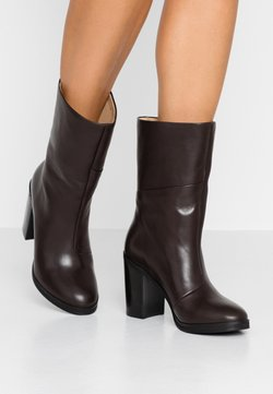 Royal RepubliQ - BRIDGE HIGH BOOT - Stivaletti con tacco - chestnut