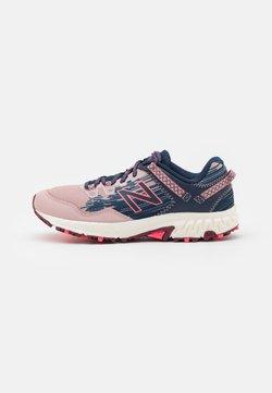 New Balance - TRAIL 410 - Laufschuh Trail - pink