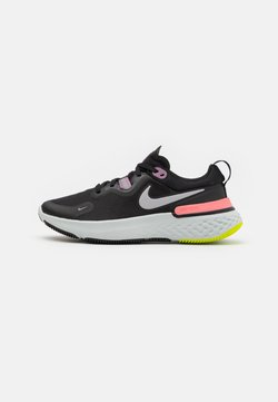 Nike Performance - REACT MILER - Zapatillas de running neutras - black/metallic silver/violet dust