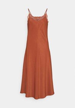 b.young - BCFIE DRESS  - Vestito estivo - etruscan red