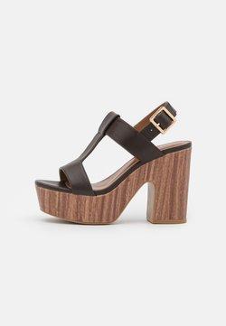 Tata Italia - Sandaalit nilkkaremmillä - brown