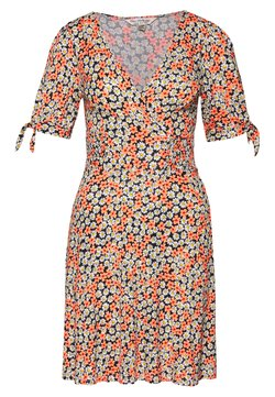 Miss Selfridge - FLORAL WRAP TEA DRESS - Sukienka z dżerseju - pink