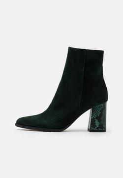 Alberto Zago - Stiefelette - dark green