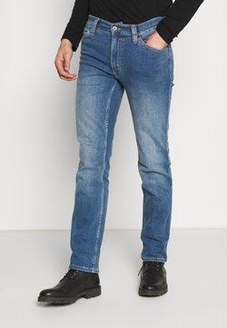 Mustang - TRAMPER - Slim fit jeans - denim blue