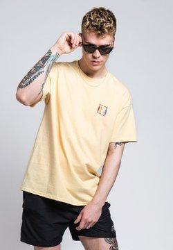 On Vacation - T-shirt print - light yellow