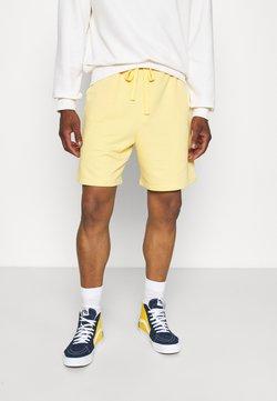 NU-IN - BASIC - Shorts - orange