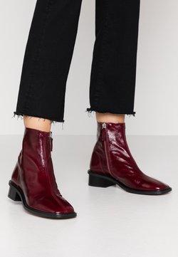 Topshop - ARROW  BOOT - Korte laarzen - burgundy