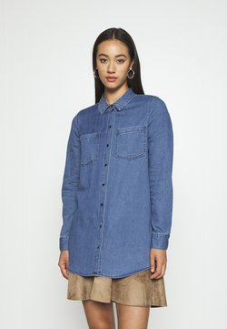 Vero Moda - VMMILA LONG - Hemdbluse - medium blue denim