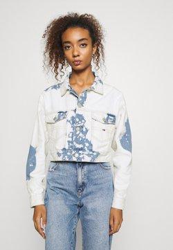 Tommy Jeans - EXTRA CROPPED - Veste en jean - cloudy light blue rigid