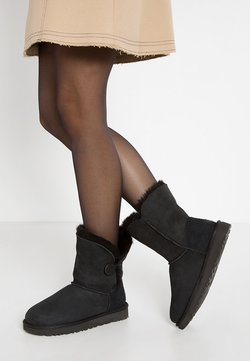 UGG - BAILEY BUTTON II - Stiefelette - black