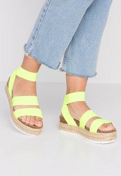 Steve Madden - KIMMIE - Korkeakorkoiset sandaalit - yellow neon