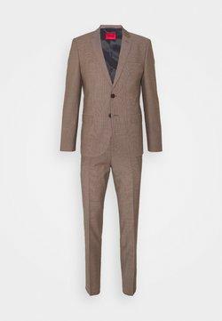HUGO - ARTI HESTEN SET - Costume - light pastel brown