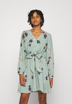 Vero Moda - VMFALLIE TIE DRESS - Paitamekko - green milieu/newfallie