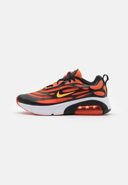 Nike Sportswear - AIR MAX EXOSENSE - Sneakersy niskie - electro orange/laser orange/team orange/black