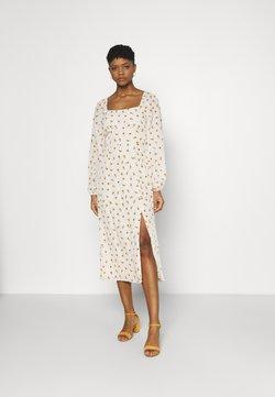Missguided - FLORAL SHIRRED BACK MIDAXI DRESS - Vapaa-ajan mekko - cream