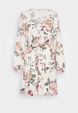 ONLY - ONLALMA LIFE DRESS - Vapaa-ajan mekko - cloud dancer/jasmin flower