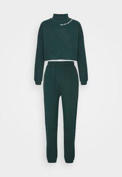 Trendyol - SET - Sweatshirt - emerald green