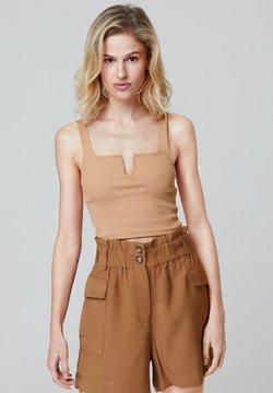 FELIPE ALBERNAZ - Shorts - brown