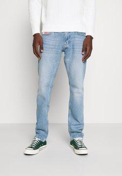 Tommy Jeans - SCANTON HERITAGE - Jeans Slim Fit - light blue