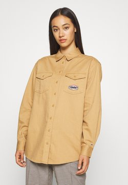 Tommy Jeans - BADGE DETAIL - Camicia - country khaki
